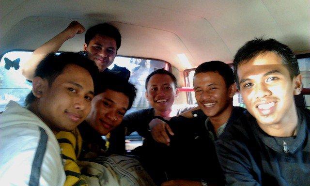 Berangkat Bareng, di Angkot