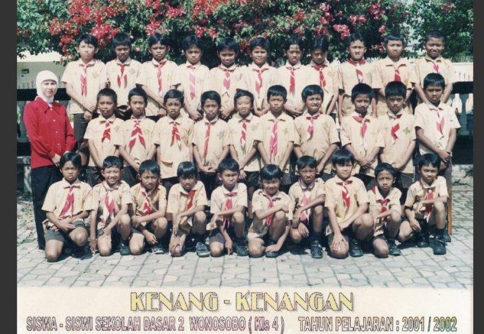 Kelas 4 Putra SD 2 Tahun 2001/2002