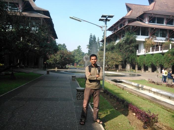 Berpose @Taman Ganeshe