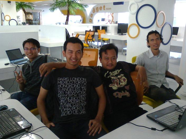 Lumut Studio in Action