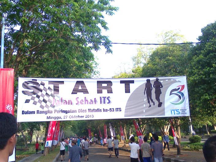 Start di depan Rektorat